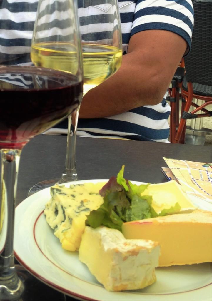Vinhos e queijos na despedida
