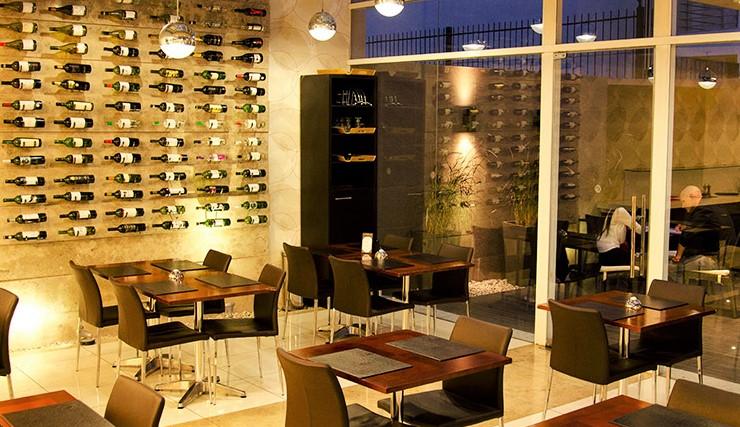 Bar de vinhos e restaurante do hotel My Suites