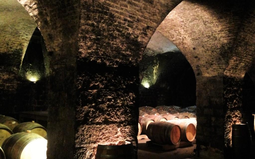 A impressionante cave subterrânea, toda feita de pedras, que começou a ser construída em 1830 por Don Francisco Juanicó