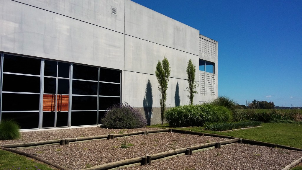 Nova sede administrativa: contraste com construções centenárias