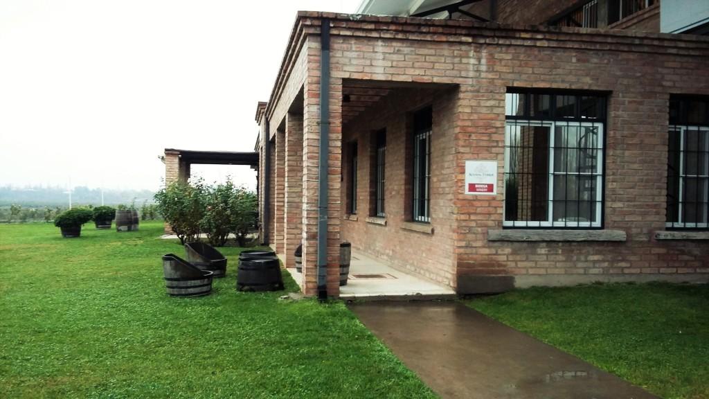 Casa-sede da vinícola-boutique em Mendoza, onde são produzidas apenas cerca de 250 mil garrafas por ano, apenas de vinhos tintos