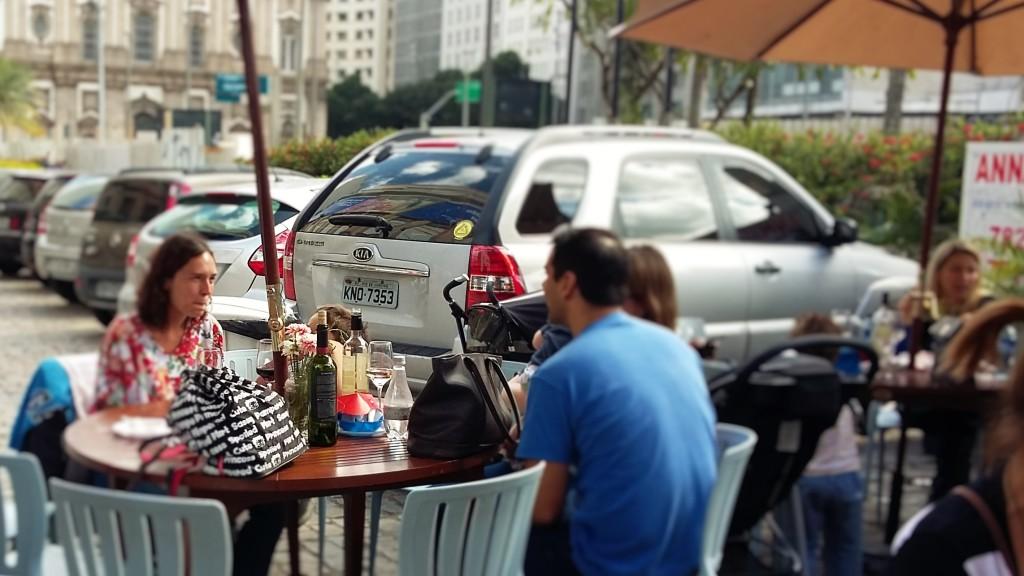 Boa parte do público que esteve pelos eventos de gastronomia ao ar livre no Centro do Rio escolheu o vinho como bebida para acompanhar o bate-papo