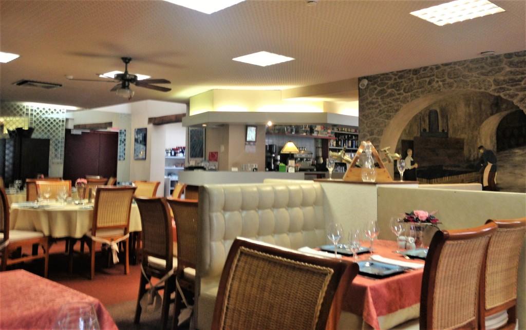 Interior do restaurante: elegância discreta que encanta