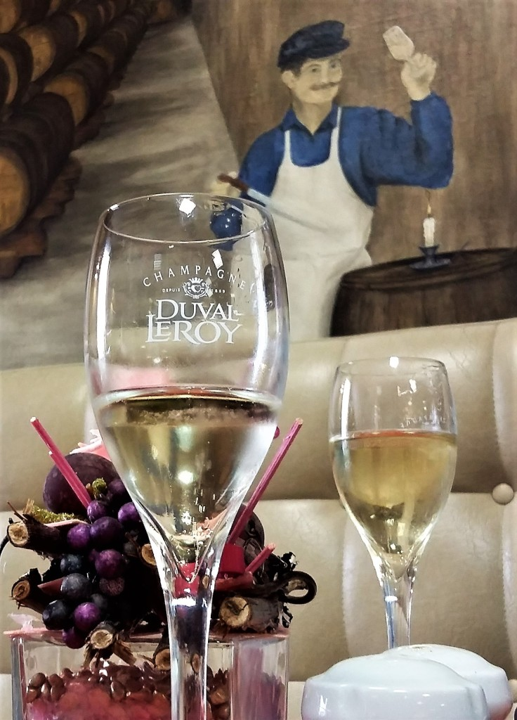 vertus-restaurante-detalhe-champanhe