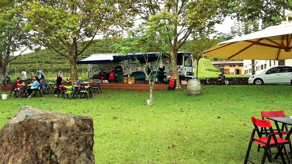 O 'food truck' de vinhos no gramado da Miolo
