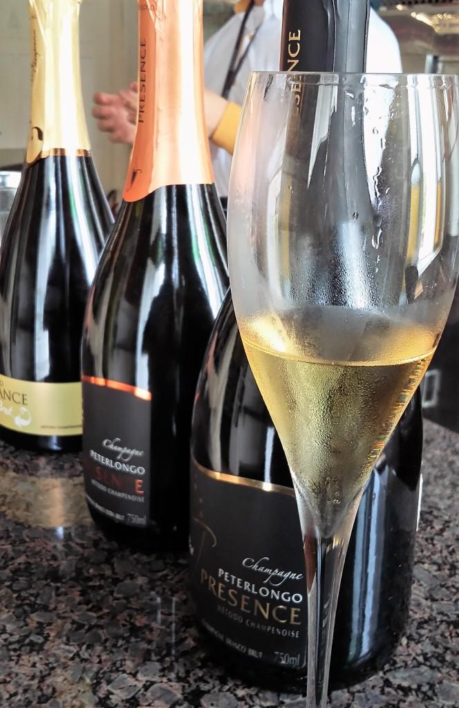 Três champanhes