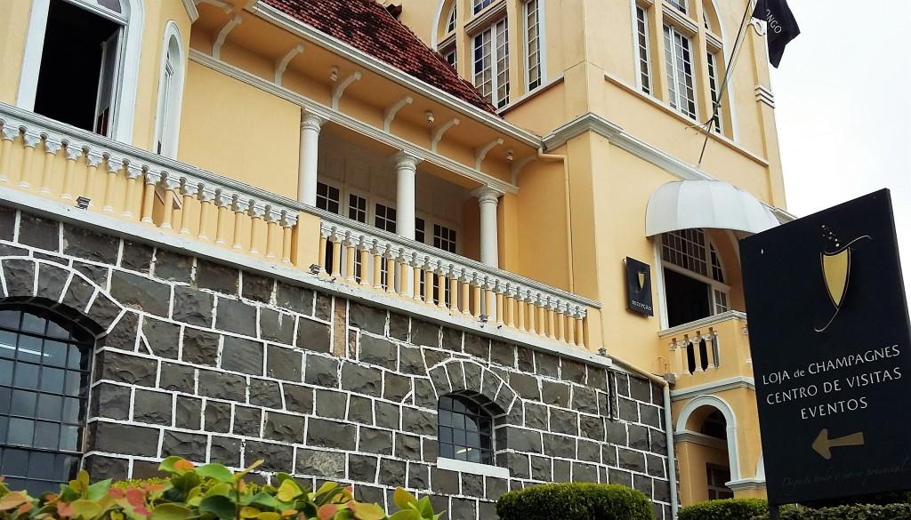 Sede da vinícola até hoje fica no lindo castelo construído nos anos 30