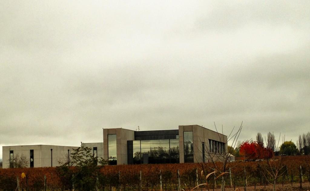 A moderna casa-sede da Viña Cobos na região de Perdriel: imponência em meio à paisagem dos vinhedos