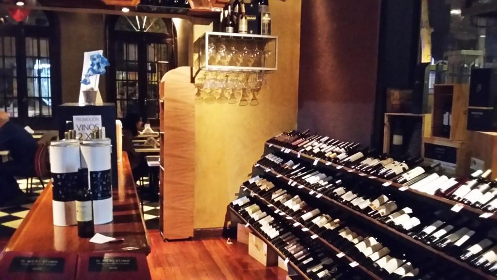 Il Mercatino: delicatessen com vinhos ótimos a bons preços, além de frios, geleias, pastinhas...