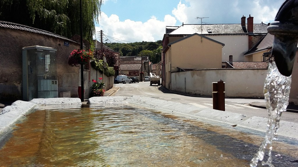 Uma parada em Rilly-la-Montagne para beber água e admirar as lindas casas