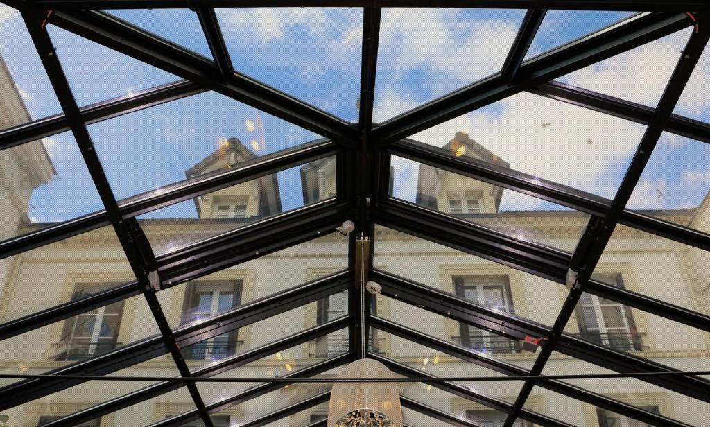 O hotel tem apenas 12 quartos e funciona em um prédio do século XVIII que foi todo reformado