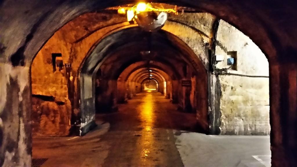 Vista de parte das 47 galerias e 18 quilômetros de ruas no subsolo da Mercier