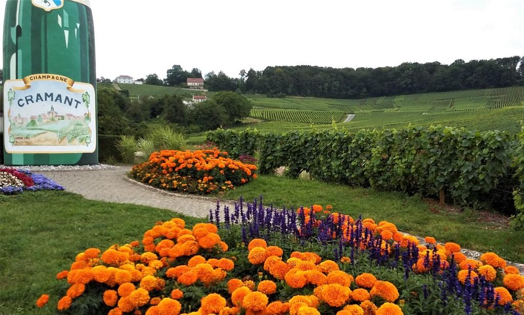 Entrada da cidade de Cramant, na região de Champanhe, França
